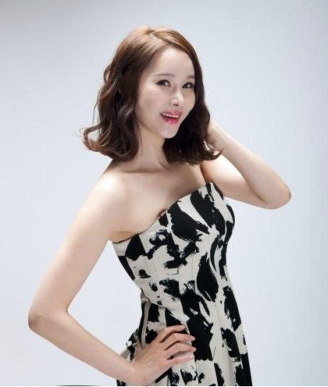 Baek Joo Hee 1