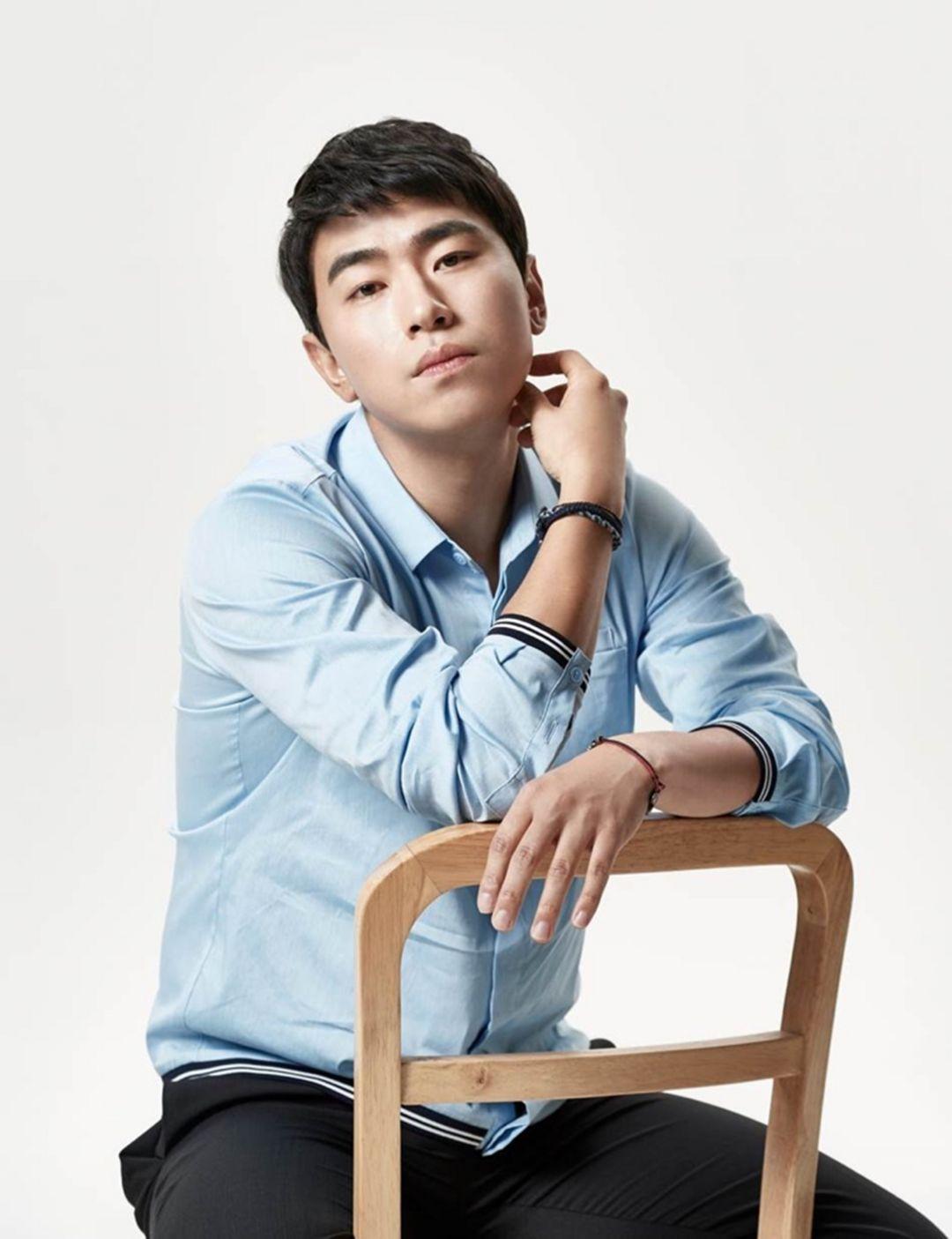 Lee Si Un p02