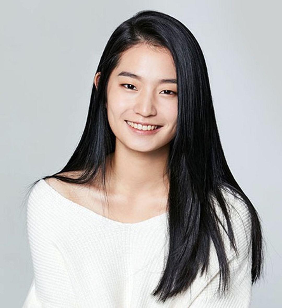 Han Ji Won